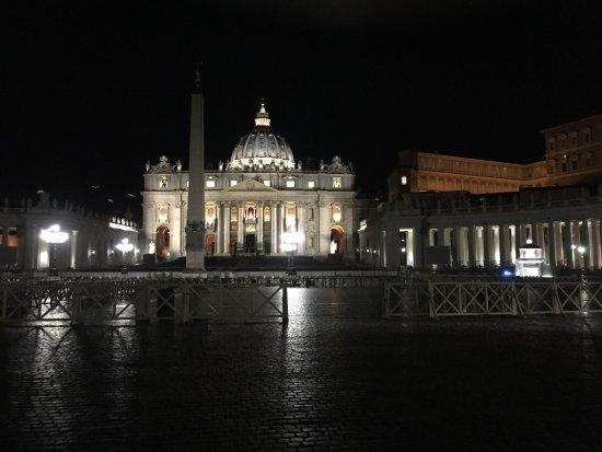 Vatican View: Piazza San Pietro