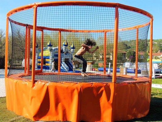 Souillac, Fransa: trampoline