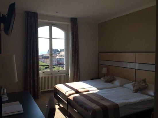 Chambre double standard - Bild von Hotel Des Alpes, Nyon - TripAdvisor