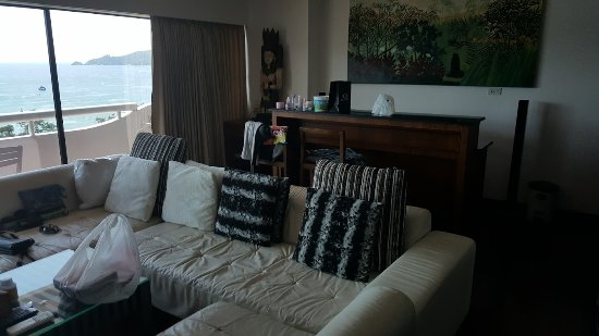 Patong Tower Holiday Rentals: Living area