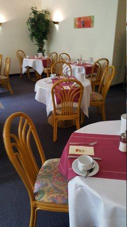 Amadeo Hotel Garni : 20170417_084137_large.jpg