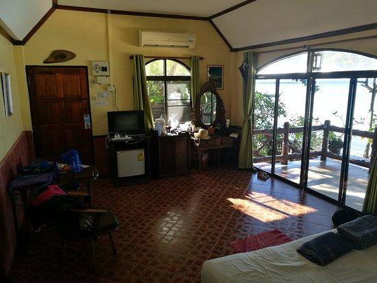 Phi Phi Paradise Pearl Resort: IMG_20170331_082941_large.jpg