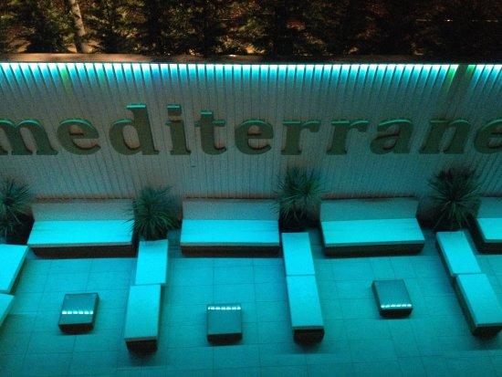 Hotel Mediterraneo Club Benessere : divanetti nel solarium, novità 2017