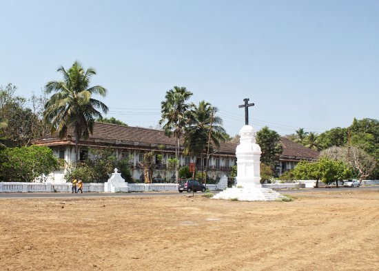 Menezes Braganza House: View from the grass opposite