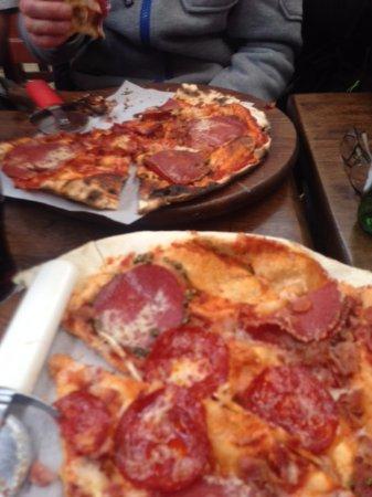 Carrigart, Irlanda: Charcuterie Pizza