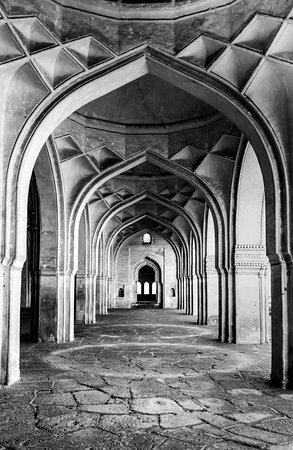 Ibrahim Rauza Tomb : The prayer hall next to the tomb