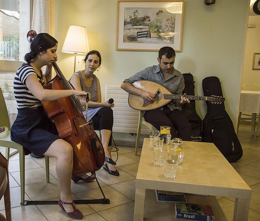 Eden Jerusalem Hotel: Music at Eden Hotel- Ecoute group