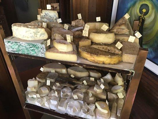 Il carrello di formaggi numero 1 d' Italia