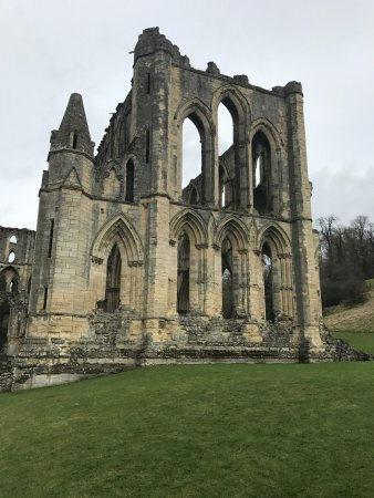 Helmsley, UK: Rievaulx Abbey ruins