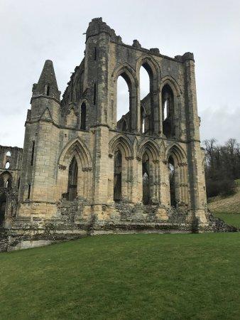 Helmsley, UK: Rievaulx Abbey ruins