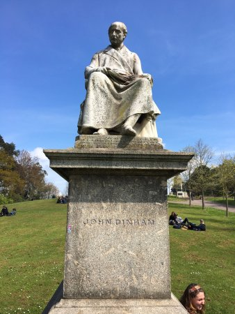 Statue of John Dinham
