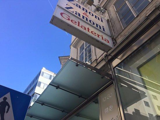 Zanoni & Zanoni: 상점 외경