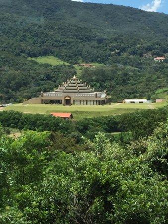 Restaurante Portal Japy: Restaurant view of a budism temple.