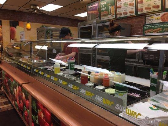 Newark, NY: Subway - serving line