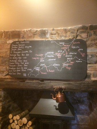 Bampton, UK: Above the fireplace in the bar