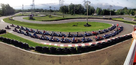 Chateau Richer, Canada: Jusqu'à 37 karts en même temps sur notre circuit de 1,4 km