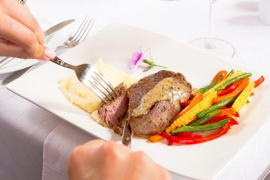 Randburg, Южная Африка: Fine Dining at Idwala