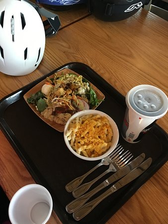 Snowmass Village, CO: Salad and Macaroni Cheese