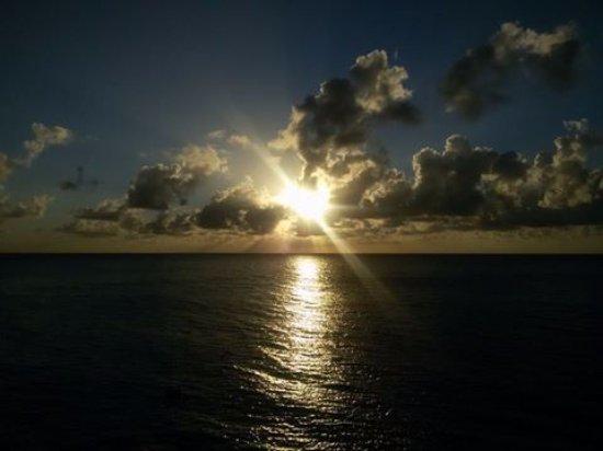 Cabanas Agua Dulce: Por do sol do Deck da pousada