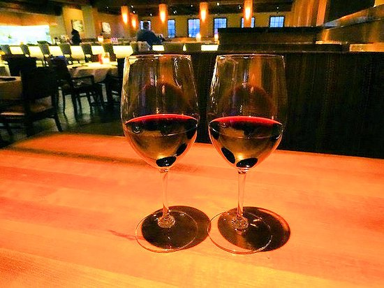 Stoney River Steakhouse and Grill: wine