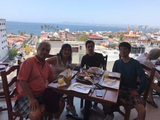 Barcelona Tapas: comida en restaurant tapas barcelona vallarta buena comida y vista increible