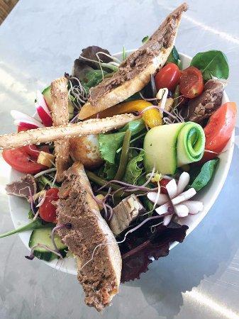 Les Pieds dans lEau: Salade C'Home à Nice