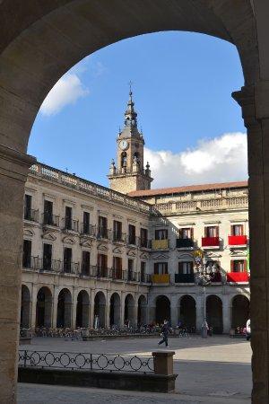 encuadre: fotografía de Plaza España Plaza Nueva, Vitoria-Gasteiz ...