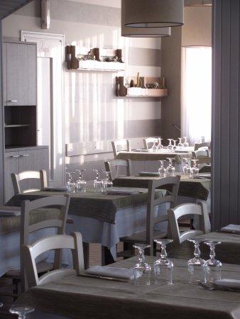 Miasino, Italie : La sala ristorante