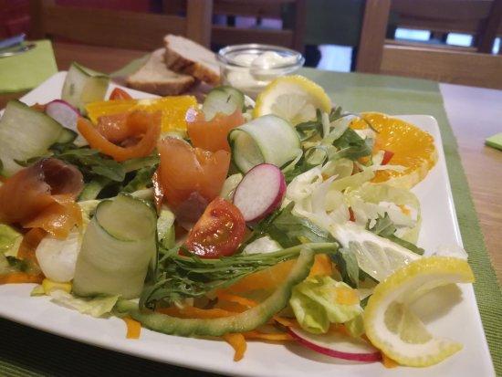 Salat Salmone E Arancia Iceberg Rucola Applesin Agurk