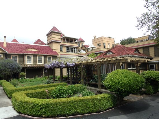 Winchester Mystery House Tour Hours
