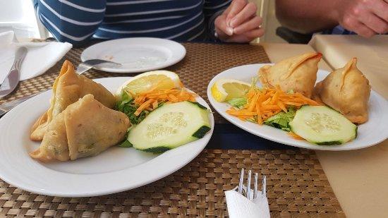 Indian House Restaurant : Samosas