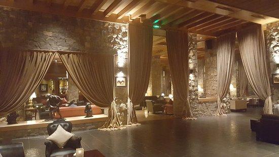 Michlifen Ifrane Suites & Spa: Bar
