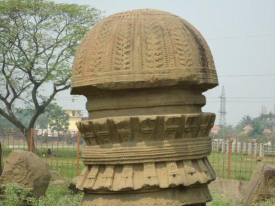 Kachari Ruins: Good carving and beautiful.
