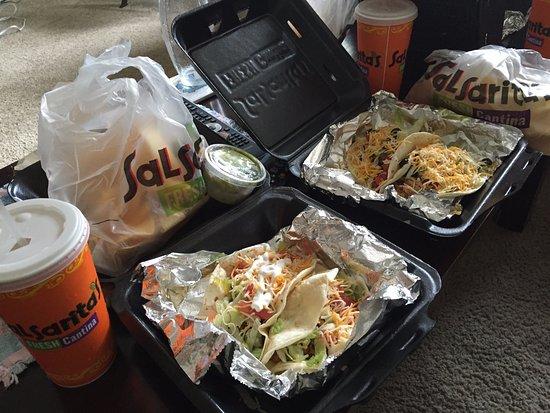 ไบรตัน, มิชิแกน: Two Taco Combos to go