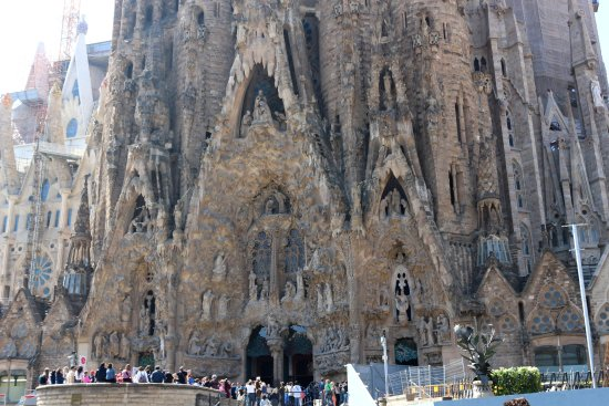 Gaudis La Sagrada Familia - Picture of Runner Bean Tours Barcelona, Barc...