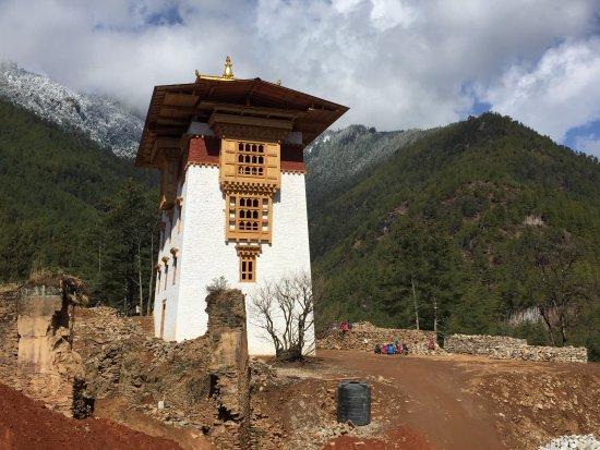 Drukgyel Dzong: dzong being rebuilt
