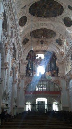 Waldsassen, Germany: Blick auf Empore und Orgel