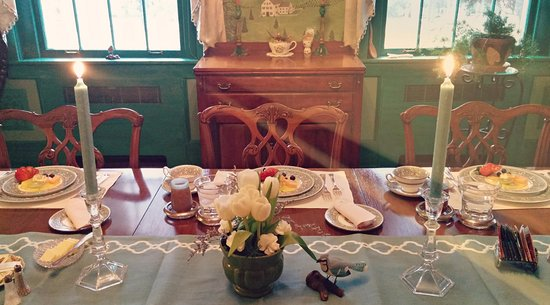 Huntingdon, Pensilvania: Candle lit breakfast makes every stay special