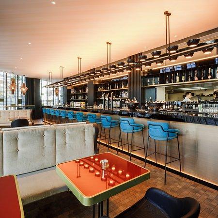 La Reina Kitchen Bar: Barra