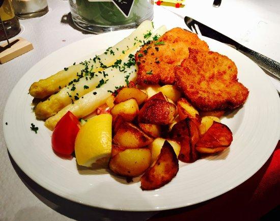La Bastille in April 2017 - excellent Schnittel and salmon pancakes! 😋😍