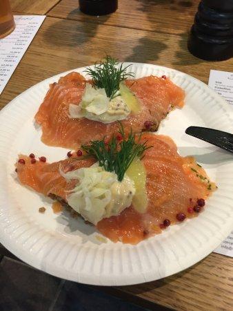 Kongens Lyngby, Danmark: smorrebrod saumon