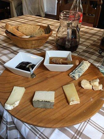 La Streccia: Scelta formaggi (piccola porzione)