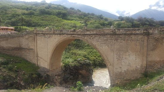 Abancay, Perú: Puente