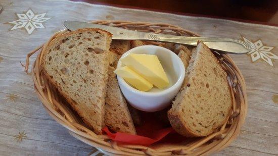 Christmas House Restaurant & Coffee Bar: Complimentary bread
