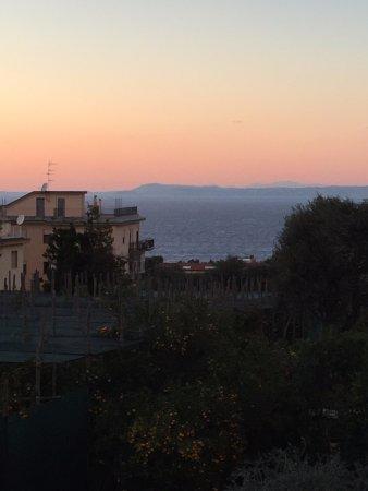 Comfort Hotel Gardenia Sorrento Coast: View from balcony at dusk