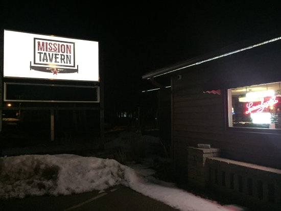 Mission Tavern: Just outside of Crosslake Area on 3