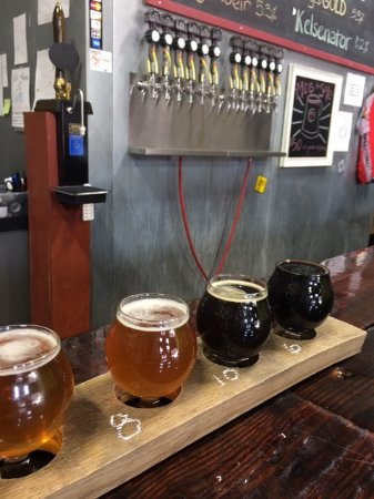 Lorton, VA: A Flight and the Beer Taps
