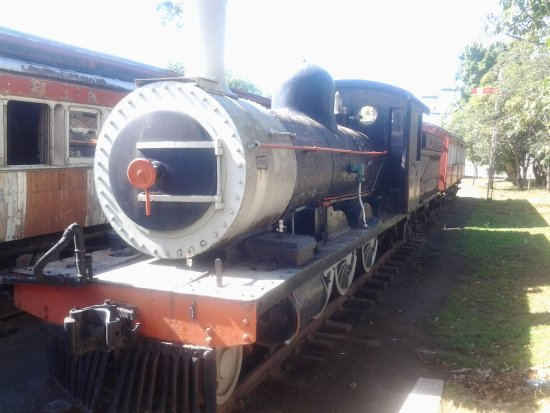 Uitenhage, Zuid-Afrika: Engine and carriages