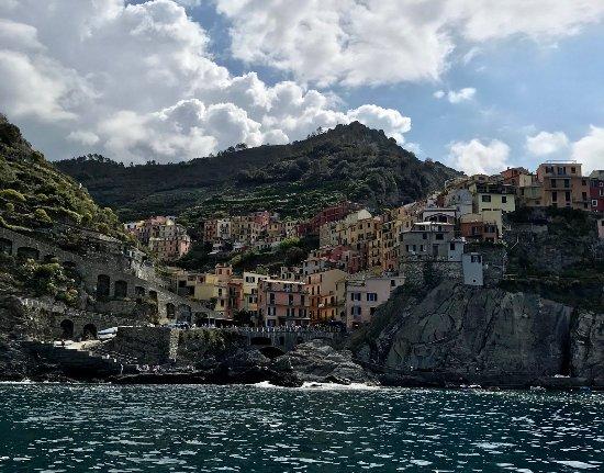 Angelo's Boat Tours: Amazing views of coastline!