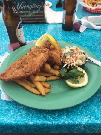 Bummz On The Beach: fish and fries with cole slaw